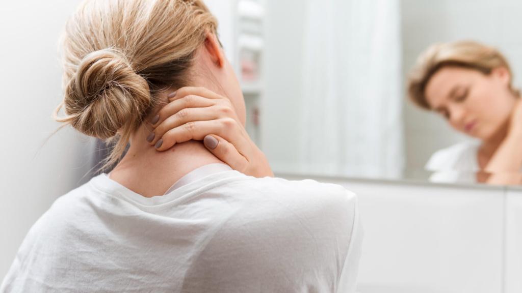 cervicale dolorante collo da smartphone alegio